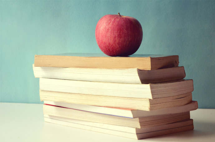 books_apple_free_photo-690x457